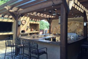 7 reasons why outdoor kitchens are gaining popularity