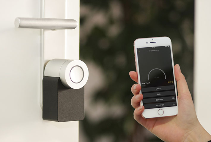 smart door lock smartphone app